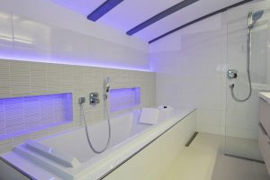 What are the advantages of having an acrylic tub?